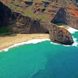 Frank Wilson - Turtle Head Sea Cave Napali Coast