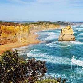 Lexa Harpell - Twelve Apostles Australia