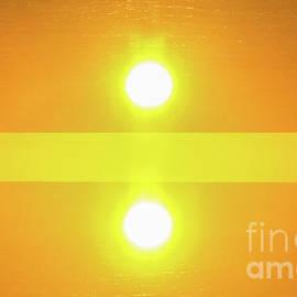 Thomas Carroll - Twin Suns One Sunset