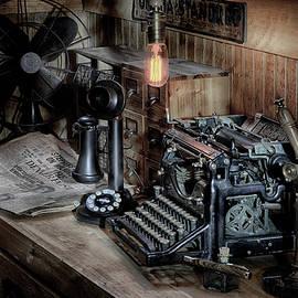 Typewriter Manifesto  by Jeffrey Jensen