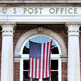 Plymouth Post Office Building by Janice Drew