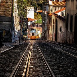 Uphill by Jorge Maia