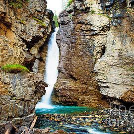 Anna Serebryanik - Upper Falls