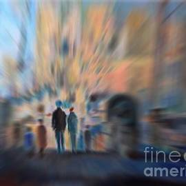 Aline Halle-Gilbert - Urban Life in a blurry perspective
