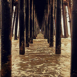 Glenn McCarthy Art and Photography - Vanishing Point - Pier