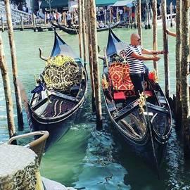 Sumire Kasagawa - #venezia #gondola