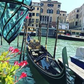 Sumire Kasagawa - #venezia #gondolaride
