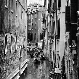 Mariola Bitner - Venice Magic