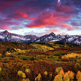 Andrew Soundarajan - Vibrant Rockies Sunset