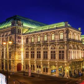 Vienna State Opera - Austria by Nico Trinkhaus