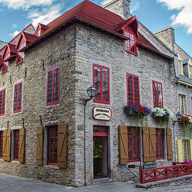 Venetia Featherstone-Witty - Vieux Quebec, Place Royale, Canada