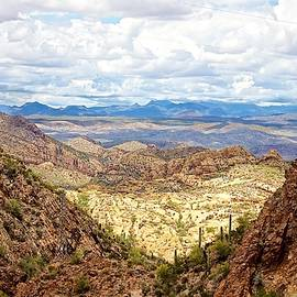 Barbara Zahno - View from Apache Trail into the Valley