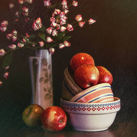 Tom Mc Nemar - Vintage Bowls with Apples