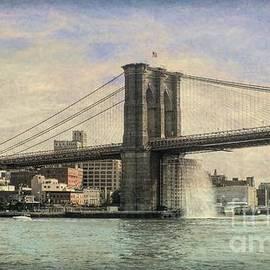 Luther Fine Art - Vintage Brooklyn Bridge