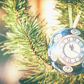 Yarinka Morozova - Vintage Christmas ball