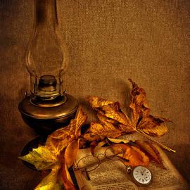 Guna Andersone - Vintage petroleum lamp, book and watch