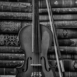 Violin And Old Books Black And White - Garry Gay