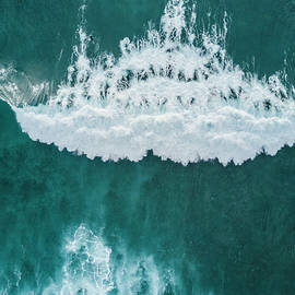 Big wave, Tenerife, Canary Islands - Sergio Villalba