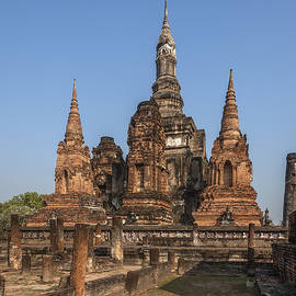 Gerry Gantt - Wat Mahathat Chedi Prathan or Phra Mahathat Chedi DTHST0030