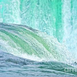 Charline Xia - Water of Niagara Falls