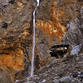 Ivan Slosar - Waterfall Rinka