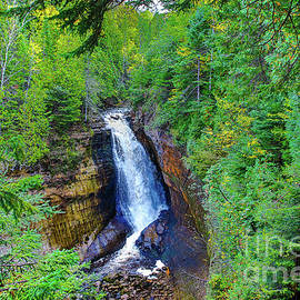 Norris Seward - Waterfalls Miners Pictured Rocks-2331