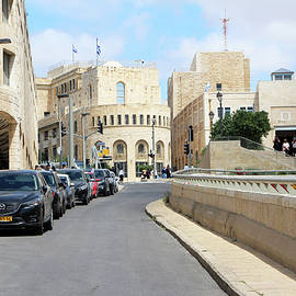 Munir Alawi - Way to Safra Square