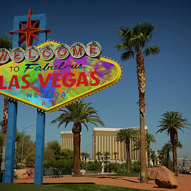 Ricky Barnard - Welcome To Las Vegas Sign Paint