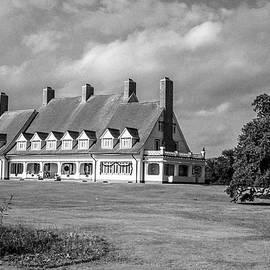 Whalehead Club by David Sutton