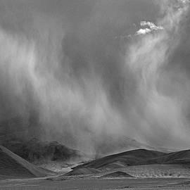 Kedar Munshi - Whirling winds in Ladakh