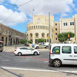 Munir Alawi - White Cars at Tsahal Square