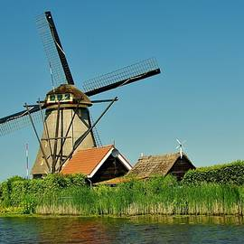 Windmill Neatherlands 5 by Phyllis Spoor