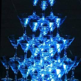 Crystal Loppie - Wine Glass Pyramid