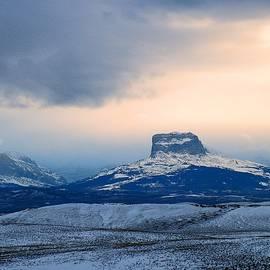 Tracey Vivar - Winter Sunset, Chief Mountain