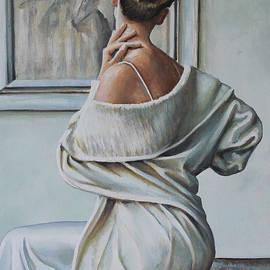 Andy Lloyd - Woman Sat in a Gallery