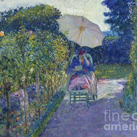 Woman Seated in a Garden - Frederick Carl Frieseke