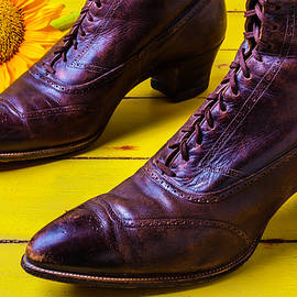 Womens Antique Boots - Garry Gay