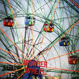 Wonder Wheel - HD Connelly