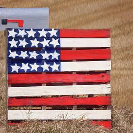Nikolyn McDonald - Wood Pallet Flag
