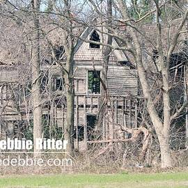 Wooden Victorian 1970 by Captain Debbie Ritter