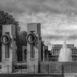 Susan Candelario - World War II Memorial BW