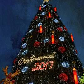 World's Biggest Christmas Tree by Eva Lechner