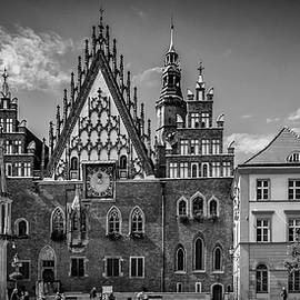 Melanie Viola - WROCLAW Main Market Square and Town Hall - panorama monochrome