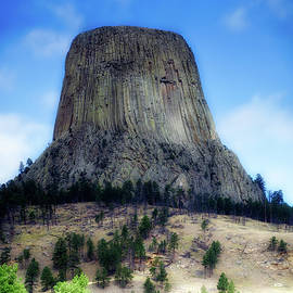 Thomas Woolworth - Wyoming Devils Tower With 8 Climbers August 7th 12 36PM 2016 with Inserts