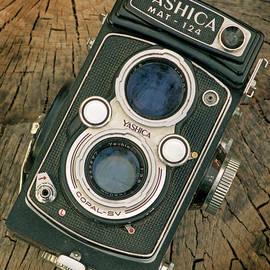 Yashica Matt - 124 by Lonnie Paulson