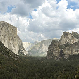 Yosemite Valley Yosemite National Park by NaturesPix