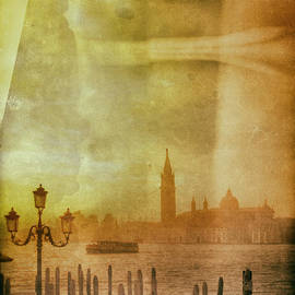 Early Winter Morning in Venice by A Cappellari
