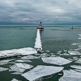 Milwaukee Breakwater Lighthouse by Randy Scherkenbach