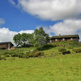 Norwegian cottages by Ren Kuljovska
