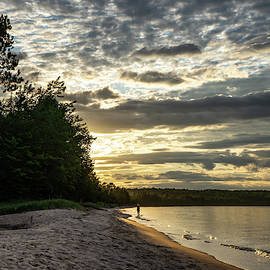 Sunset in Lake Superior by Guillermo Lizondo